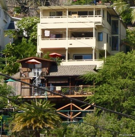 Photo of home for sale at 1504 Halekoa Drive, Honolulu HI