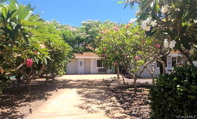 Photo of home for sale at 112 Kaiaka Road, Maunaloa HI