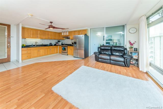 Photo of home for sale at 1519 Nuuanu Avenue, Honolulu HI