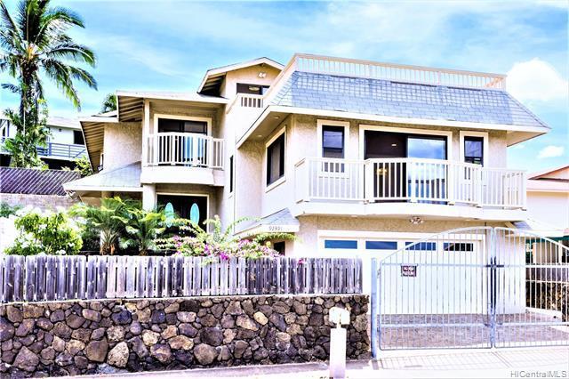 Photo of home for sale at 92-391 Waiomea Street, Kapolei HI