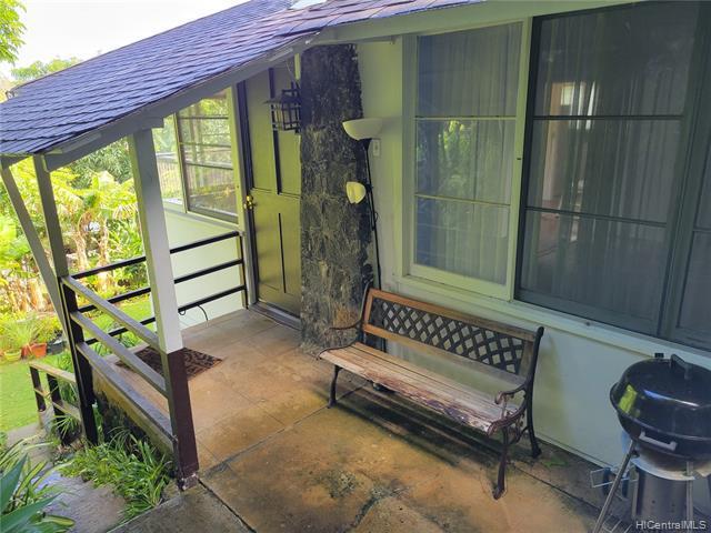 Photo of home for sale at 2721 puuhonua Streets, Honolulu HI