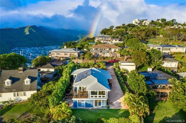 Photo of home for sale at 3645 Nihipali Place, Honolulu HI