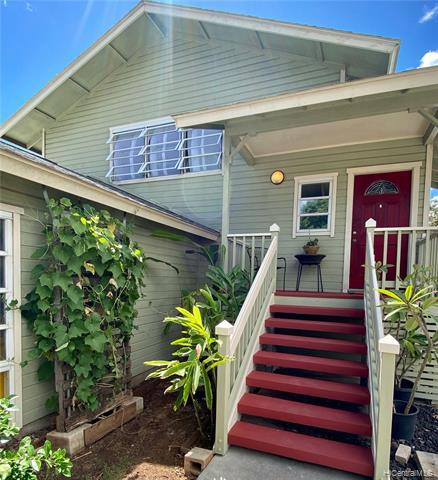 Photo of home for sale at 98-009 Kaluamoi Place, Pearl City HI