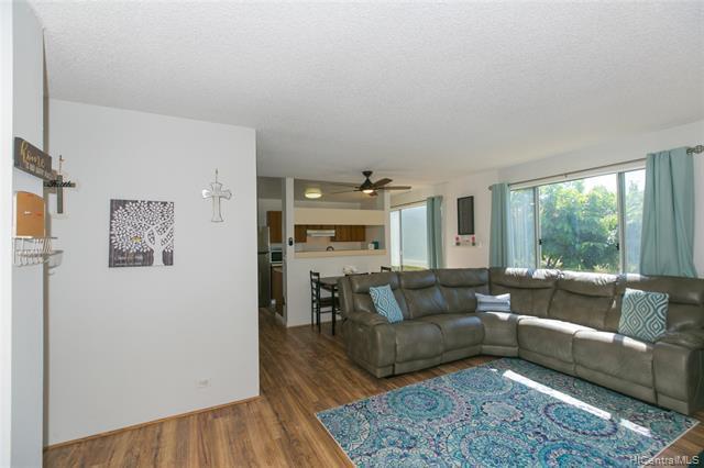 Photo of home for sale at 92-1140 Panana Street, Kapolei HI