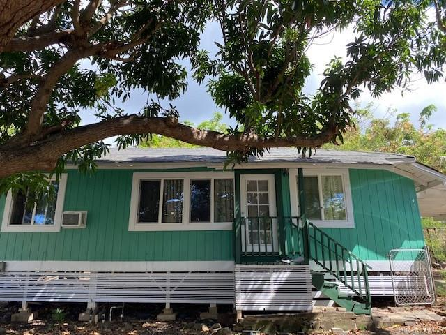 Photo of home for sale at 479 Kuliouou Road, Honolulu HI