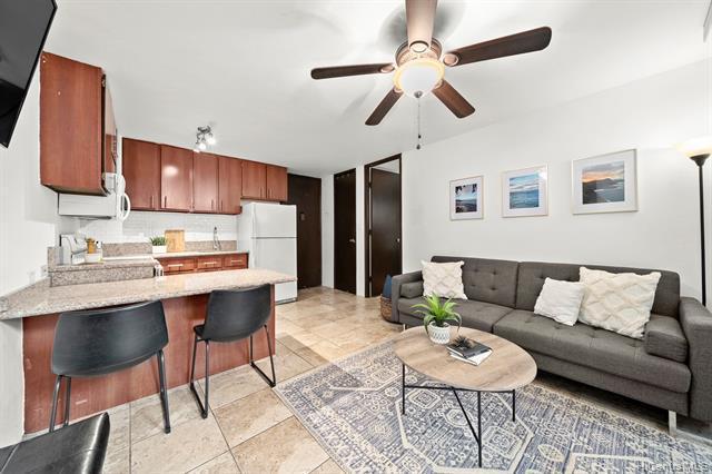 Photo of home for sale at 2847 Waialae Avenue, Honolulu HI