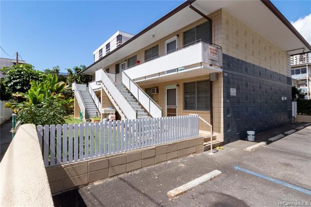Photo of home for sale at 1418 Liholiho Street, Honolulu HI