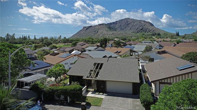 Photo of home for sale at 1237 Mokuhano Street, Honolulu HI