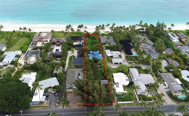 Photo of home for sale at 126 Kalaheo Avenue S, Kailua HI
