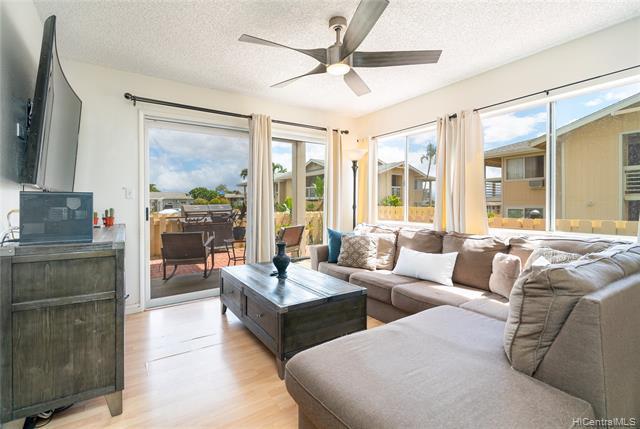 Photo of home for sale at 94-542 Kupuohi Street, Waipahu HI