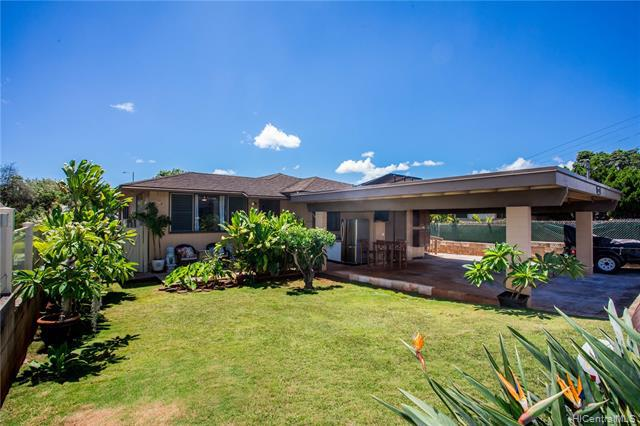 Photo of home for sale at 1474 Noelani Street, Pearl City HI