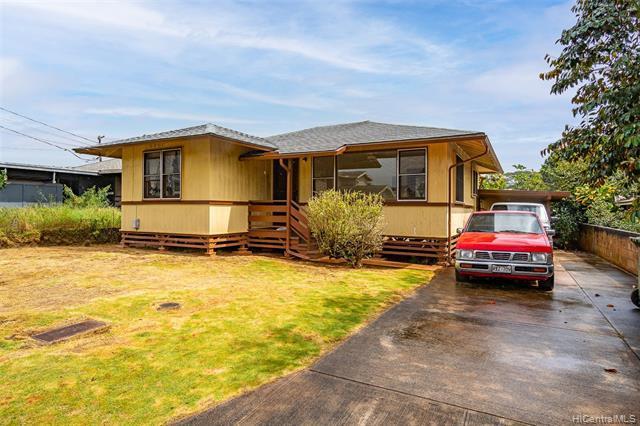 Photo of home for sale at 324 Clark Street, Wahiawa HI