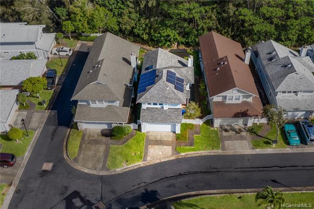 Photo of home for sale at 98-1820 Kaahumanu Street, Pearl City HI