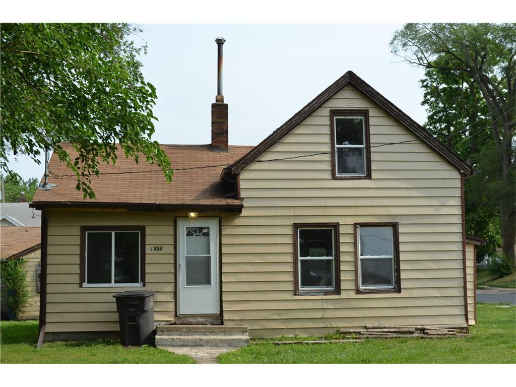 Photo of home for sale at 1850 Logan Avenue, Des Moines IA