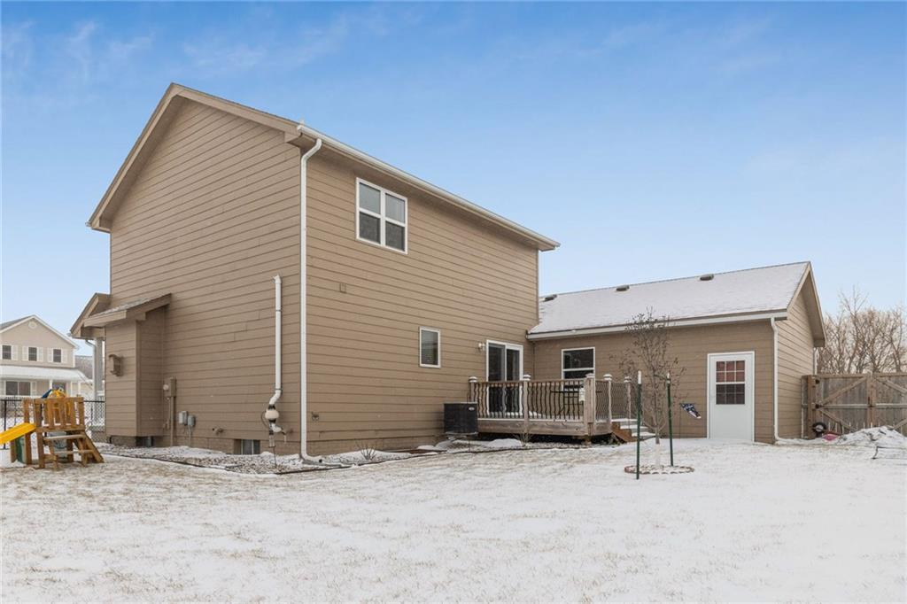 Photo of home for sale at 1608 Abilene Road NW, Ankeny IA