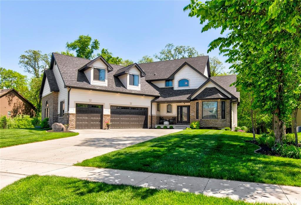 Photo of home for sale at 8305 Woodfield Road, Johnston IA