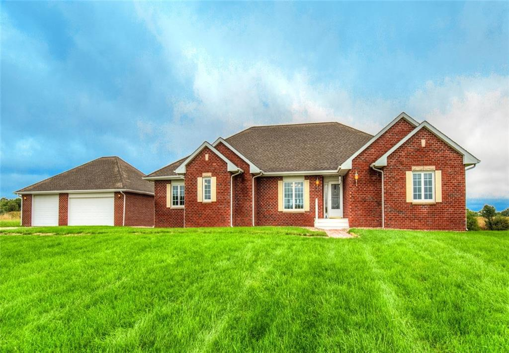 Photo of home for sale at 48724 185th Trail, Chariton IA