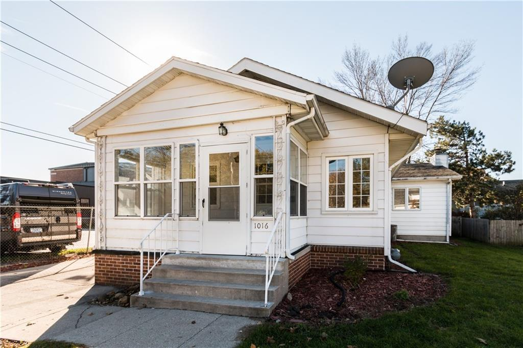 Photo of home for sale at 1016 10th Street, Ames IA