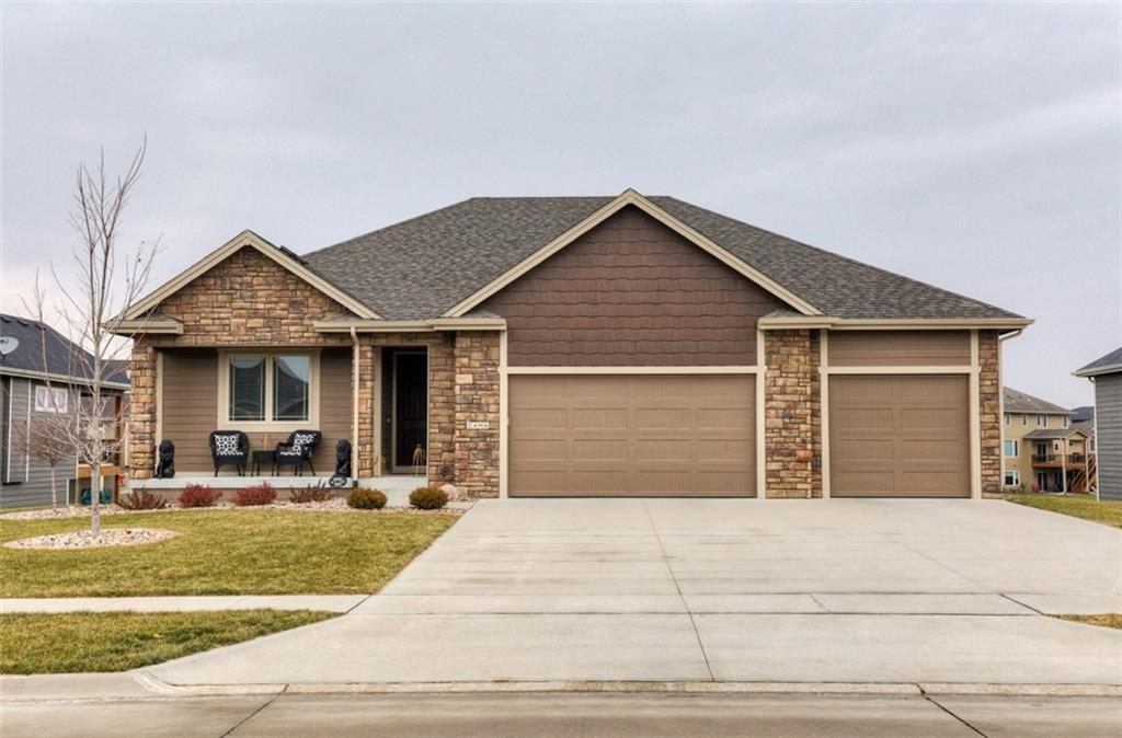 Photo of home for sale at 2406 15th Court NE, Ankeny IA