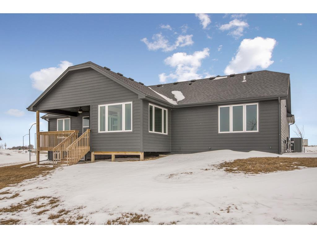 Photo of home for sale at 603 55th Street NE, Ankeny IA
