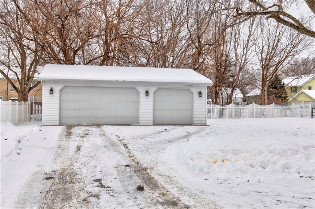 Photo of home for sale at 310 Iowa Avenue W, Indianola IA