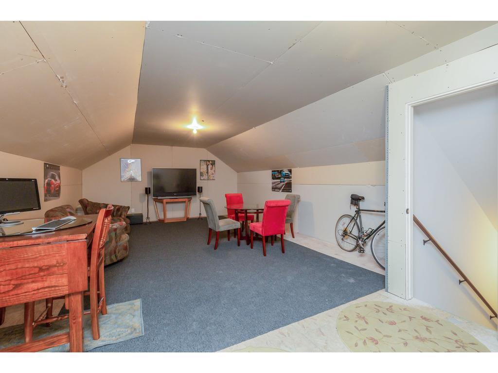 Photo of home for sale at 1812 Clover Ridge Drive SE, Ankeny IA