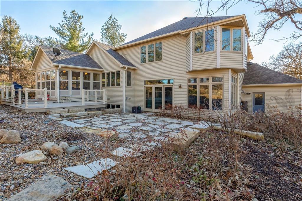 Photo of home for sale at 603 Oaks Drive N, Pella IA