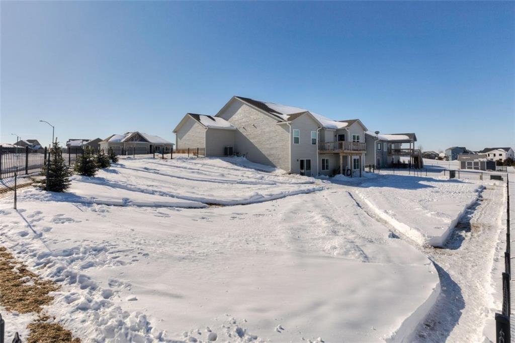 Photo of home for sale at 1702 Pine View Circle NW, Ankeny IA