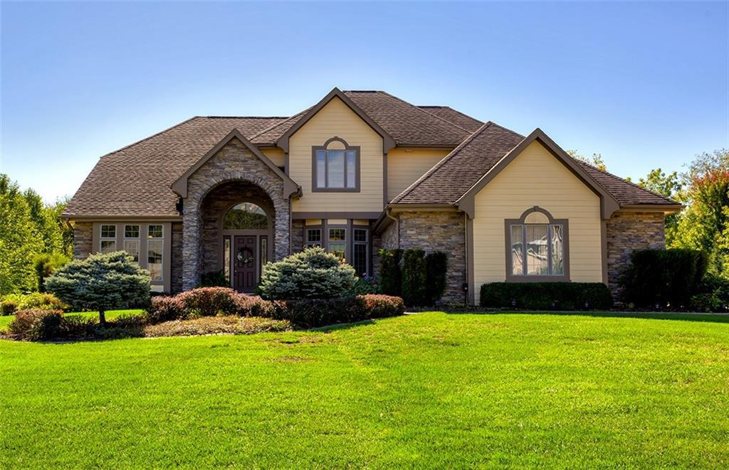 Photo of home for sale at 7210 Eagle Crest Drive, Johnston IA