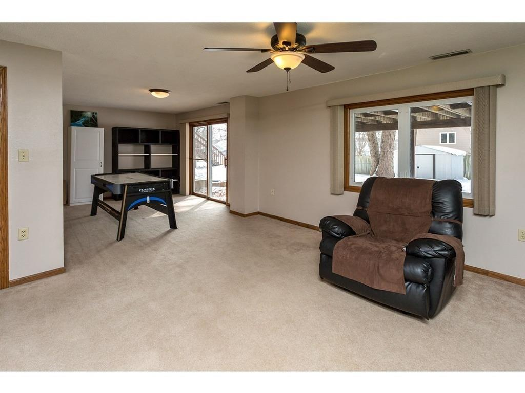 Photo of home for sale at 528 53rd Street, West Des Moines IA