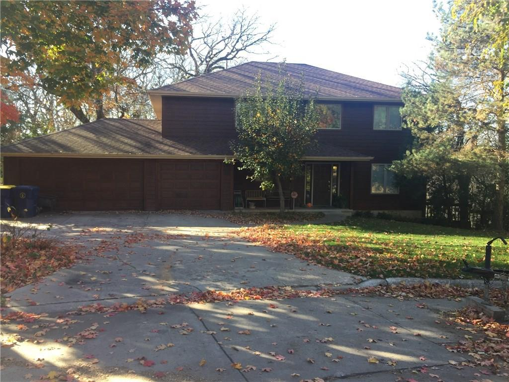 Photo of home for sale at 2518 Scholte Straat Street, Pella IA