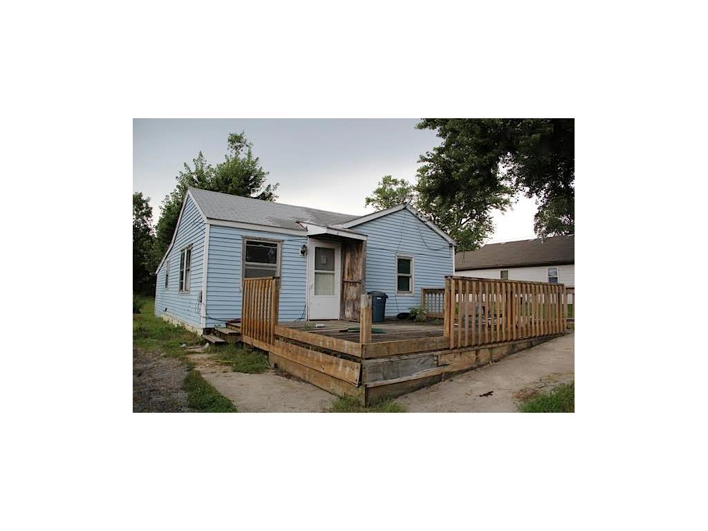 Photo of home for sale at 1315 6th Street E, Newton IA
