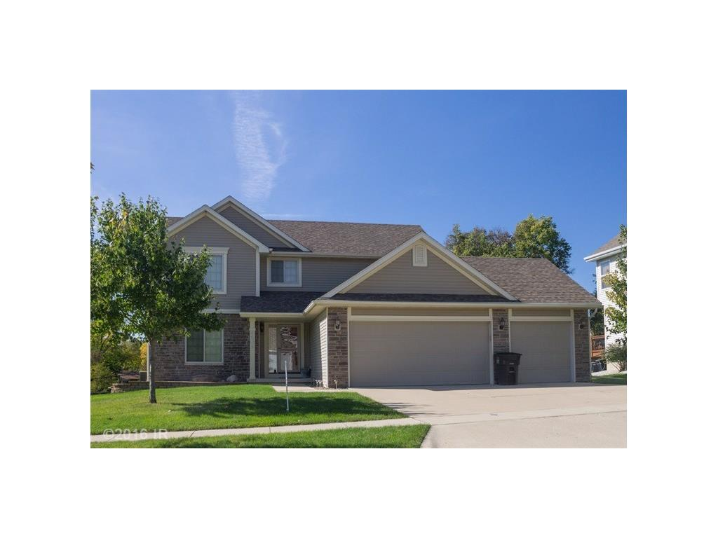 Photo of home for sale at 4604 Sawyers Drive, Des Moines IA