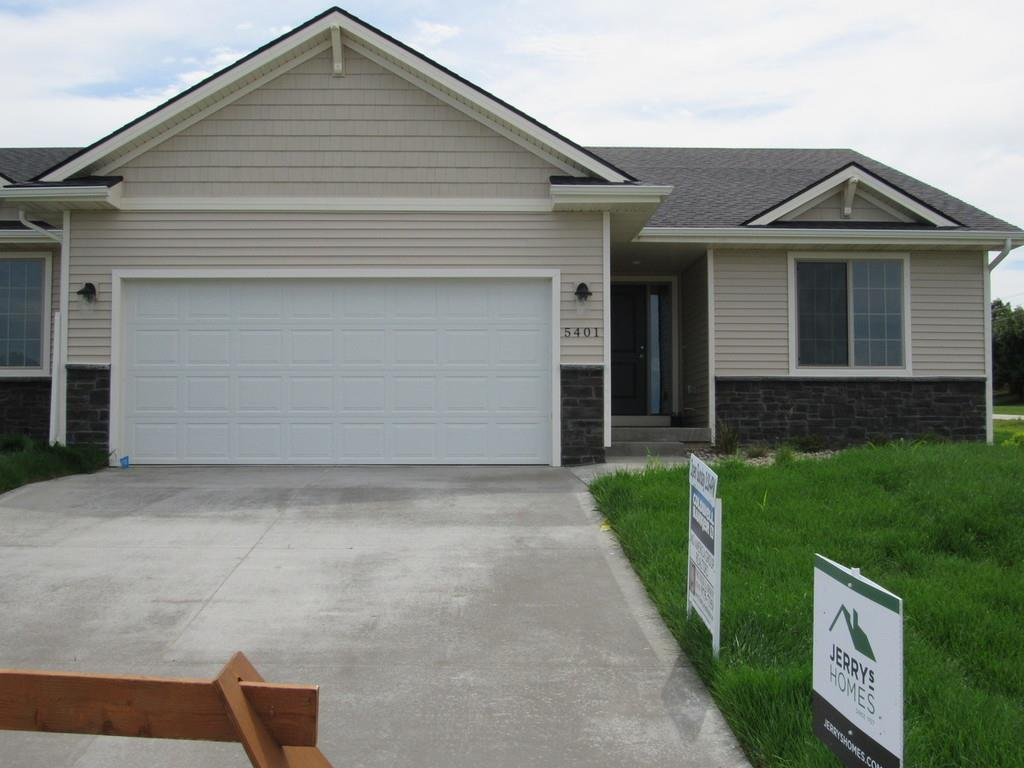 Photo of home for sale at 5401 Briarwood Drive NE, Ankeny IA