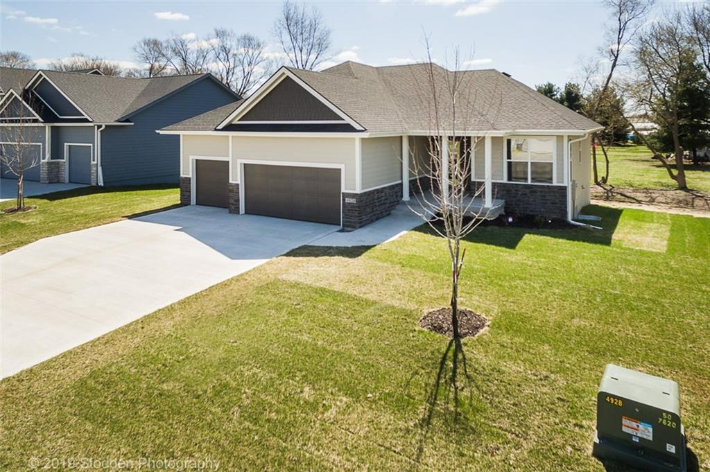 Photo of home for sale at 4928 Walker Circle, Johnston IA