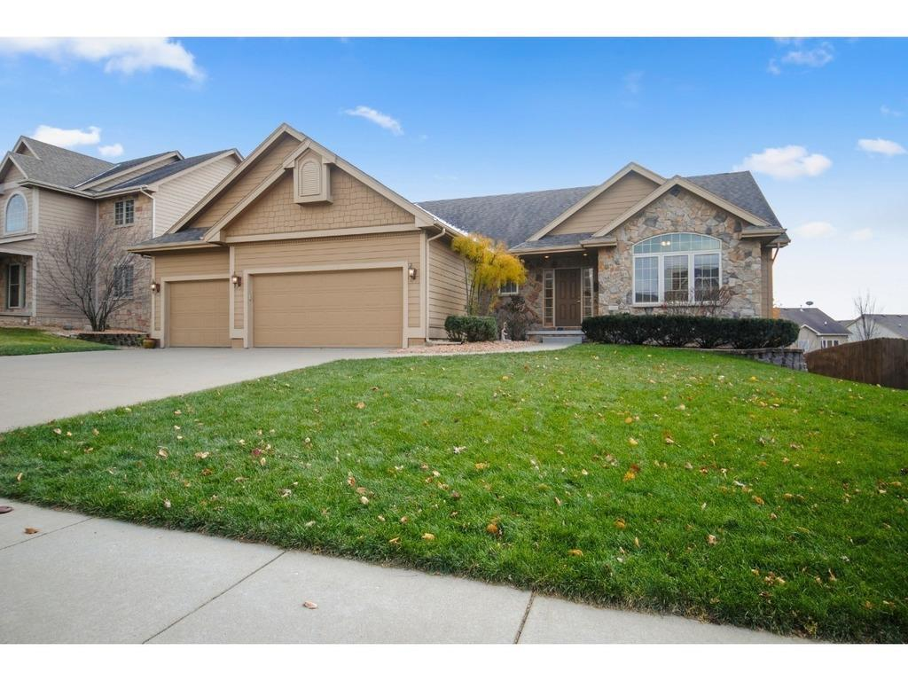 Photo of home for sale at 15910 TANGLEWOOD Drive, Urbandale IA