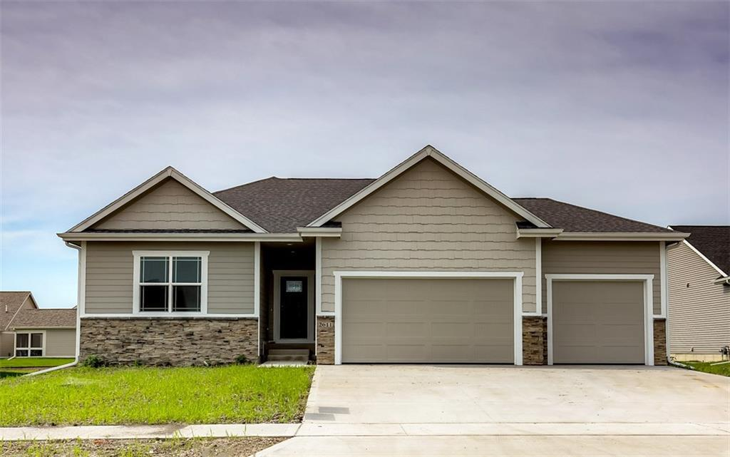 Photo of home for sale at 2611 40th Street NW, Ankeny IA