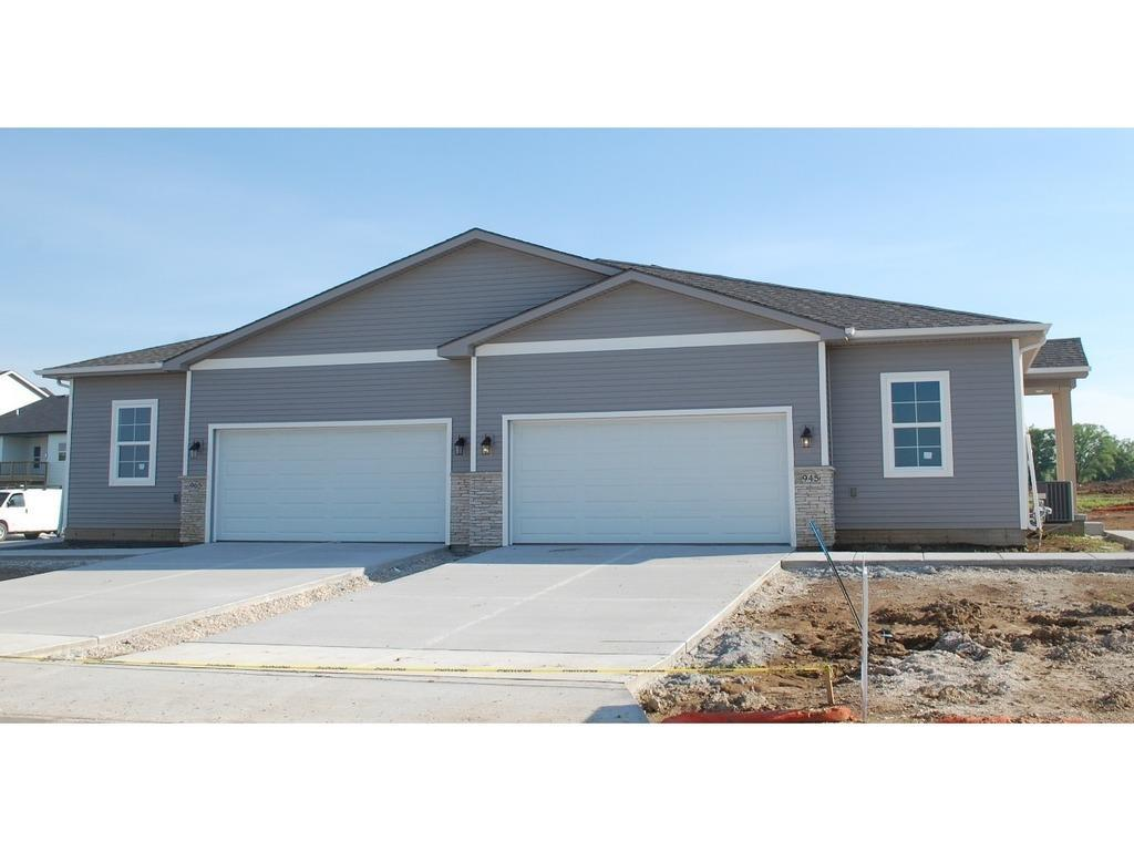 Photo of home for sale at 965 Linden Street, Carlisle IA