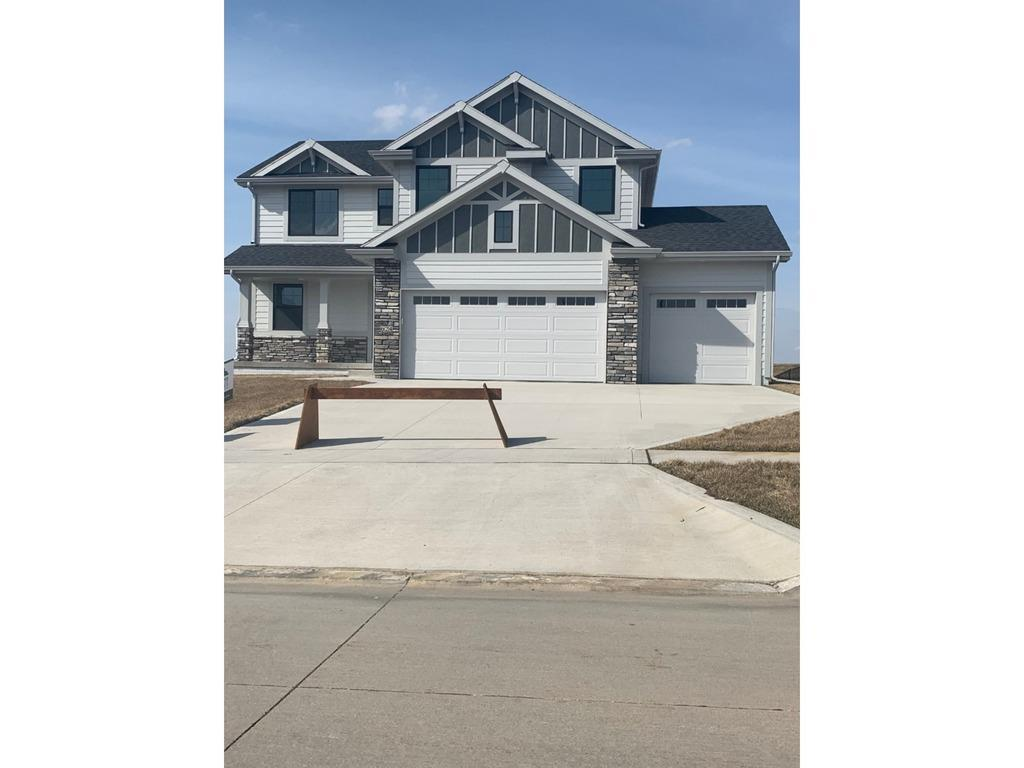 Photo of home for sale at 624 55th Street NE, Ankeny IA