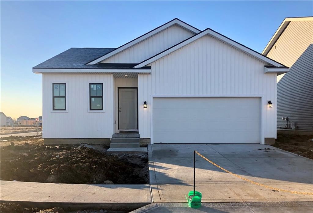 Photo of home for sale at 501 1st Street NW, Bondurant IA
