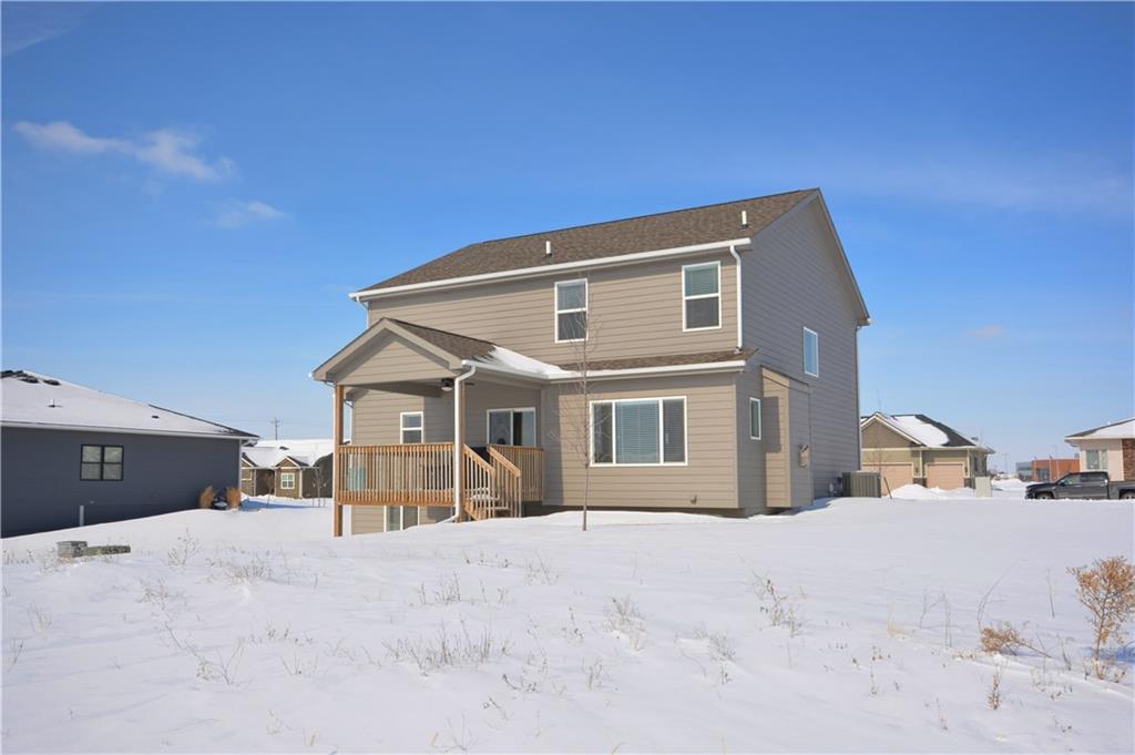 Photo of home for sale at 400 Tallgrass Lane SE, Waukee IA