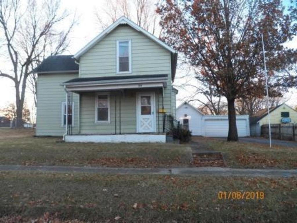 Photo of home for sale at 304 6th Street E, Madrid IA