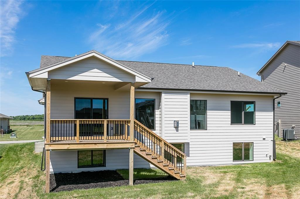 Photo of home for sale at 5315 165th Street, Urbandale IA
