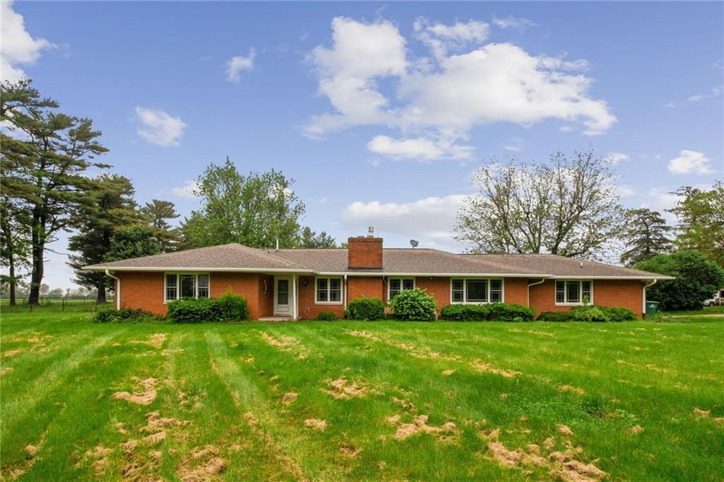 Photo of home for sale at 9250 6th Avenue SE, Runnells IA