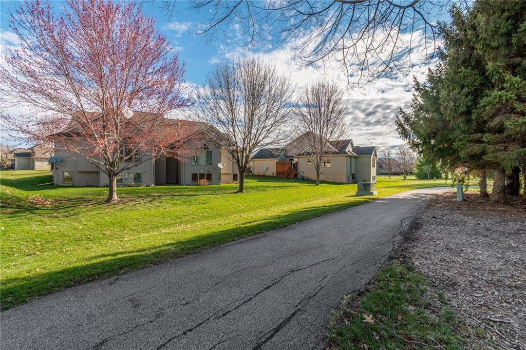 Photo of home for sale at 6768 57th Street NW, Johnston IA