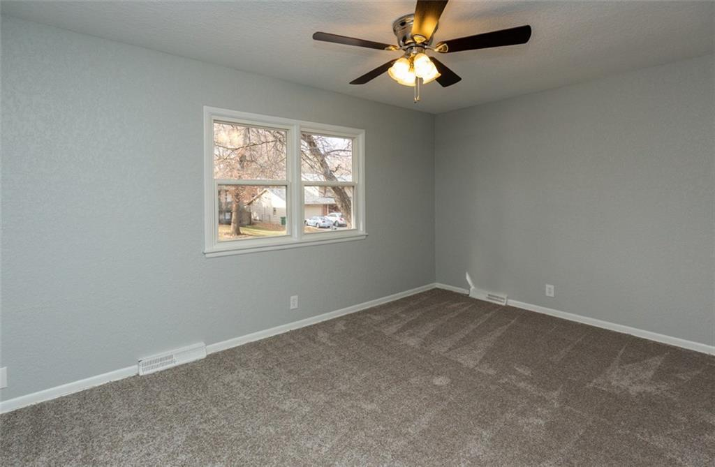 Photo of home for sale at 1829 80th Street, Windsor Heights IA