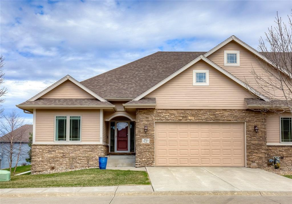 Photo of home for sale at 912 20th Lane NW, Ankeny IA