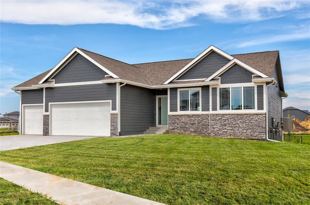 Photo of home for sale at 1602 Vista Court NE, Ankeny IA