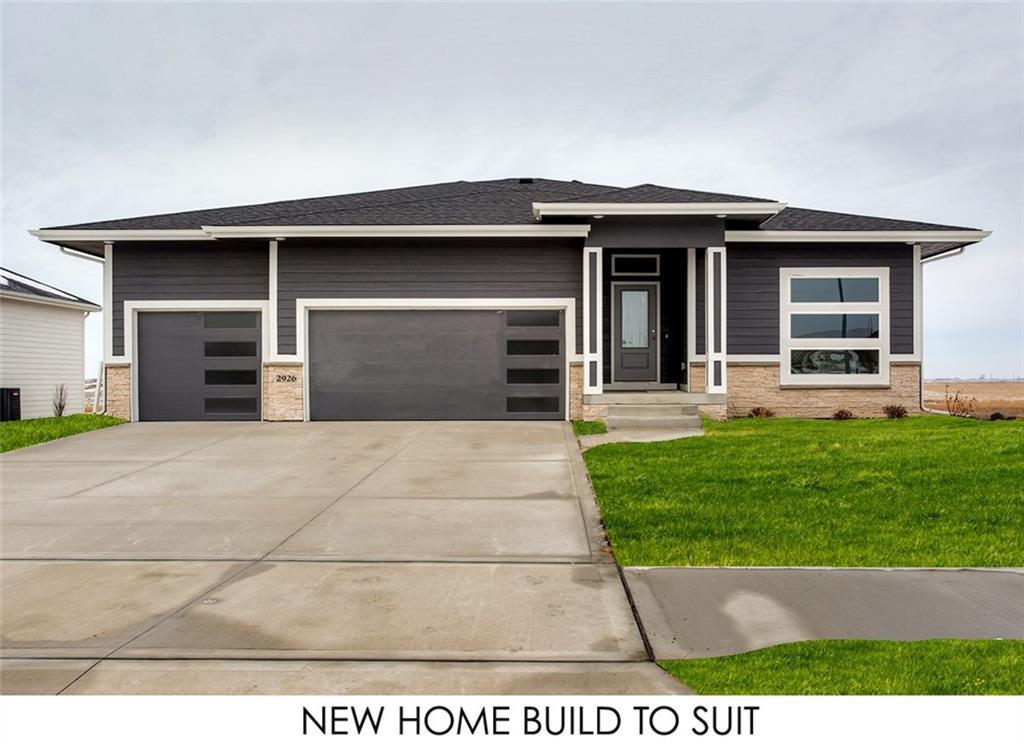 Photo of home for sale at 1804 31st Street NW, Ankeny IA