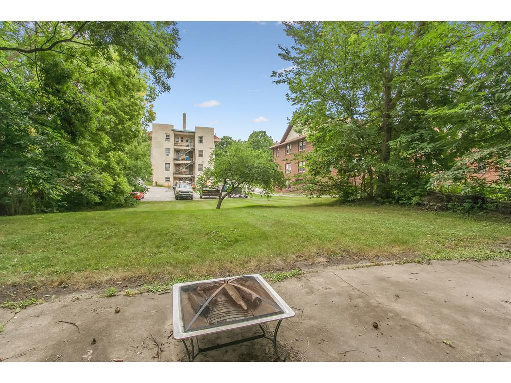Photo of home for sale at 4000 University Avenue, Des Moines IA